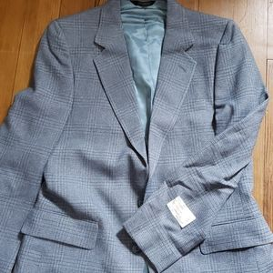 Other - 2 Piece suit. 39W33